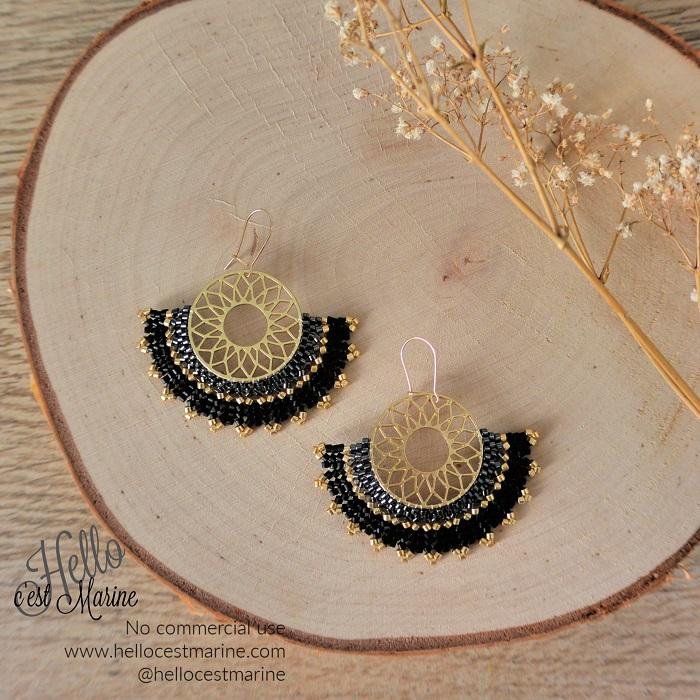 Boucles d'oreilles mandalas dorées et noires tissées en perles Miyuki par Hello c'est Marine