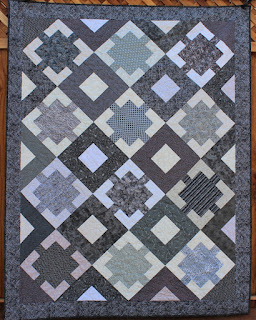 MONOCHROMATIC QUILT-EASY QUILT PATTERN-MULTI SIZED QUILT PATTERN-BEGINNER QUILT PATTERN