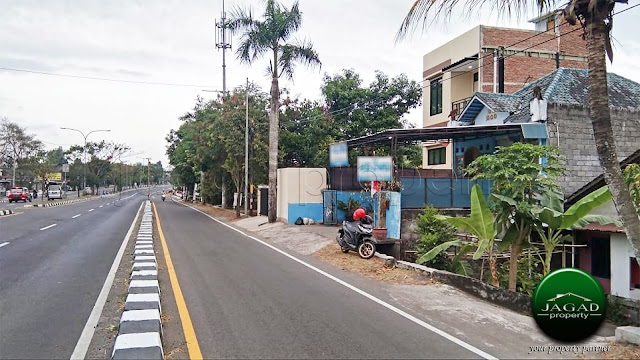 Rumah dan Toko Tepi Ringroad Selatan