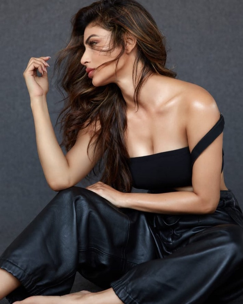 Mouni Roy looks Smoking Hot in this latest Black Outfit -newsdezire