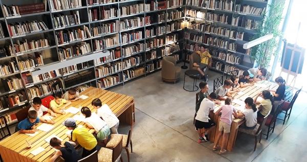 Ναύπλιο: Ολοκληρώθηκαν οι «Διαδικτυακές Συναντήσεις με Συγγραφείς» που διοργάνωσαν οι Βιβλιοθήκες του ΦΟΥΓΑΡΟΥ
