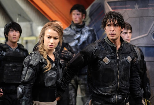 Review | The 100 4x02: Heavy Lies the Crown