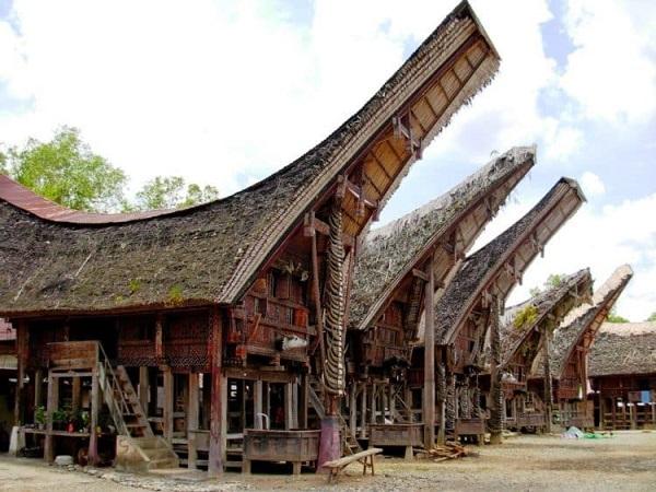 Gambar Rumah tongkonan dari Sulawesi selatan