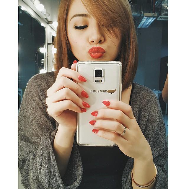 Ella Cruz Nag-Post Ng Cute Na Throwback Photo Kasama Si Angel Locsin Sa Set Ng Majika!