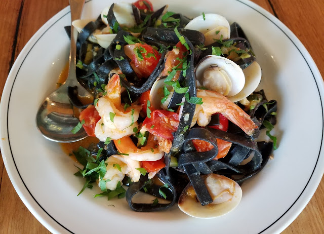 A25, South Yarra, squid ink seafood pasta