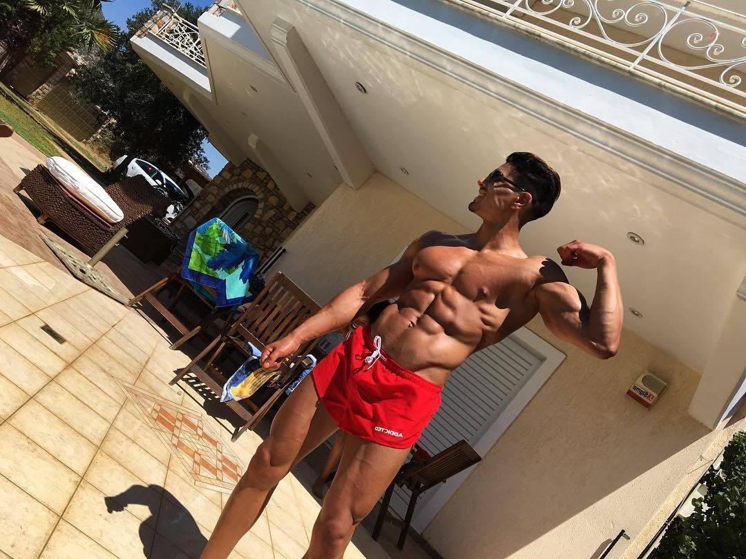sexy-shirtless-lalou-sitayeb-muscle