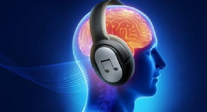 What are the Harmful Effects of Using Headphones?