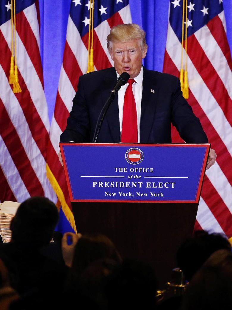 Adu Mulut dengan Trump, Wartawan CNN Sempat Diancam Diusir ...