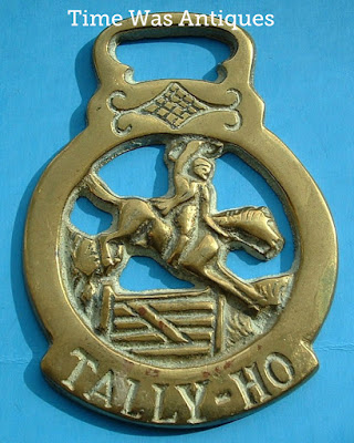 Horse Brass England Tally Ho Hunter 1920s Harness Brass Pub Brass https://timewasantiques.net/products/horse-brass-england-tally-ho-hunter-1920s-harness-brass-pub-brass