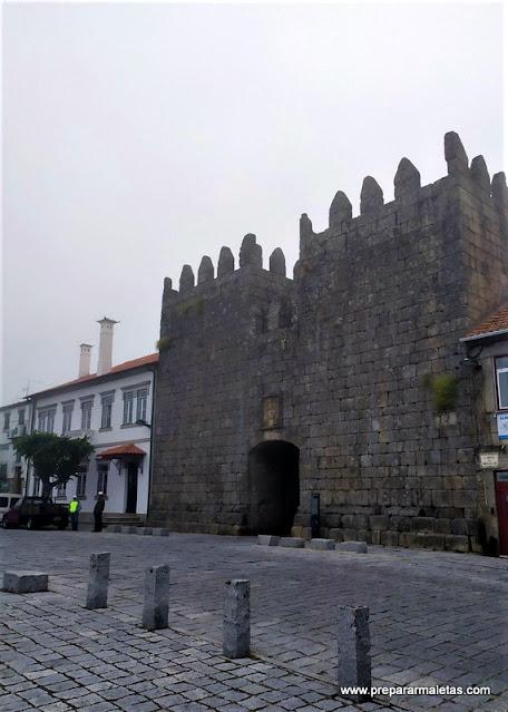 entrada principal al casco antiguo de Trancoso