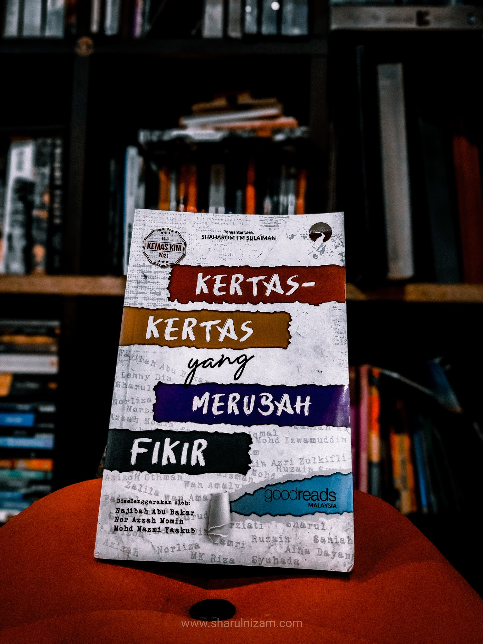 Ulasan Buku Kertas-kertas Yang Merubah Fikir (oleh Goodreads-Malaysia)