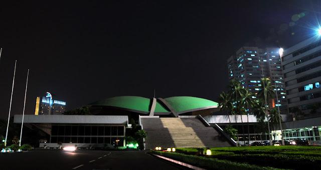 Formappi Kritik Pemerintah dan DPR Nafsu Rapat Tengah Malam Putuskan RUU Ciptaker