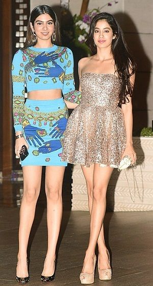 Jhanvi Kapoor with sister Khusi Kapoor