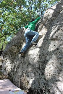 Boulder en la Dehesa de Candelario Sierra de Bejar