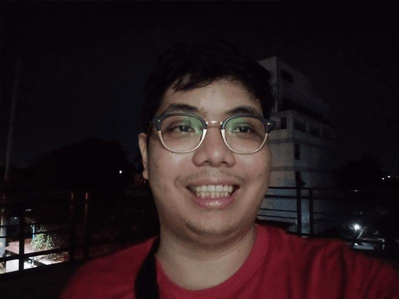 OPPO A5s low light selfie
