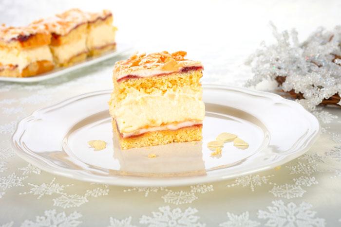 Leckerer Kuchen mit einer Vanille- Creme. Edyta Guhl.