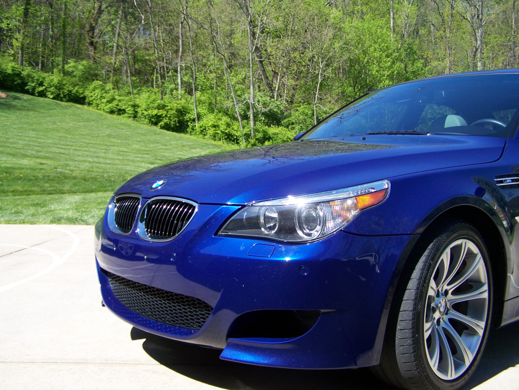 Click HERE to view the 2006 M5 Dealer Brochure in PDF format. Click HERE  for the BMW M5 Owners manual in PDF format.