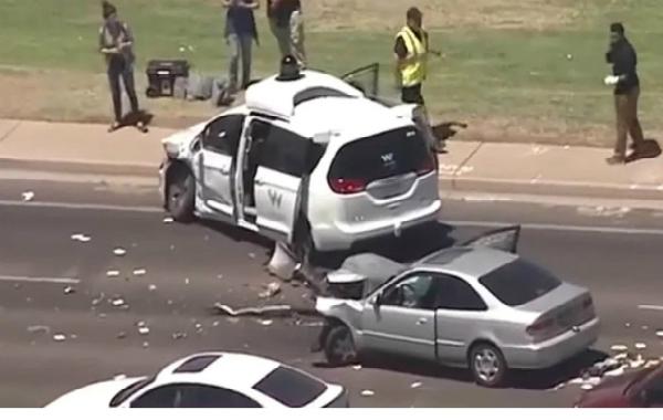مرة أخرى.. حادثة جديدة لسيارة ذاتية القيادة