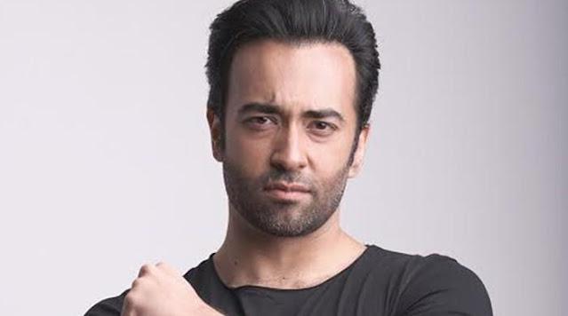 The legendary singer-songwriter Farhad Humayun passes away.