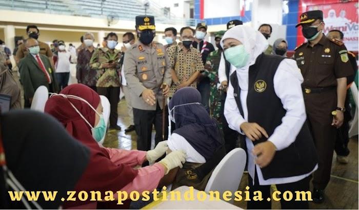 Forkopimda Jatim Melaksanakan Vaksinasi Berbasis Komunitas Kampus di UPN Surabaya