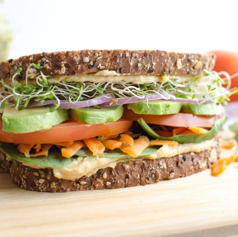 The Ultimate Hummus and Veggie Sandwich #Vegetarian #Healthyfood