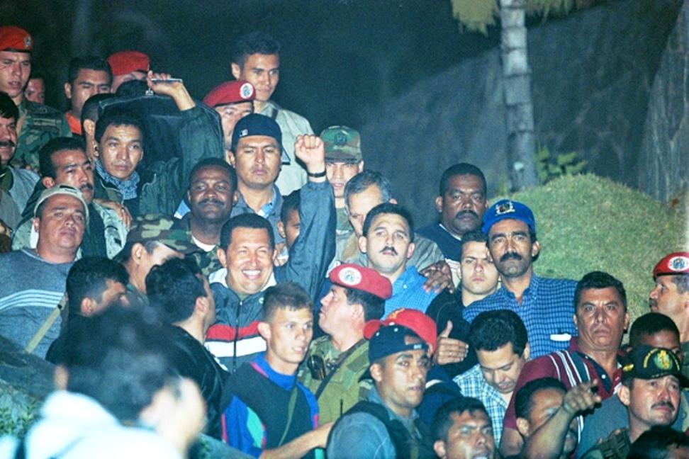 El apagón venezolano, un verdadero crimen social del chavismo - Por Razon y Revolucion Foto-tres-chavez-13-abril-20121