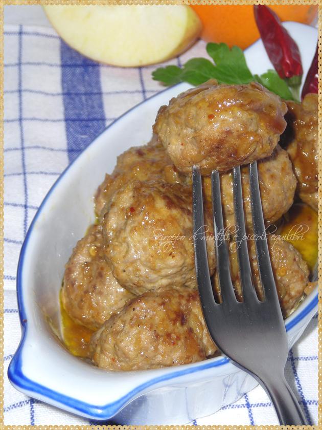 Polpette di carne con mela arancia formaggino