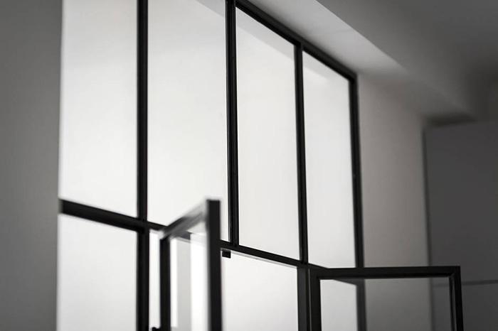 decoracion-gris-estilo-nordico-espacios-pequenos