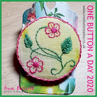 One Button a Day 2020 by Gina Barrett - Day 164 : Bess