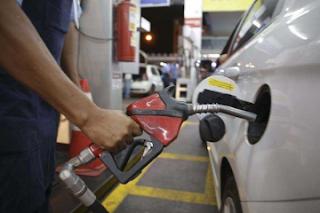 Petrobras sobe outra vez o preço da gasolina nas refinarias a partir de hoje (08)