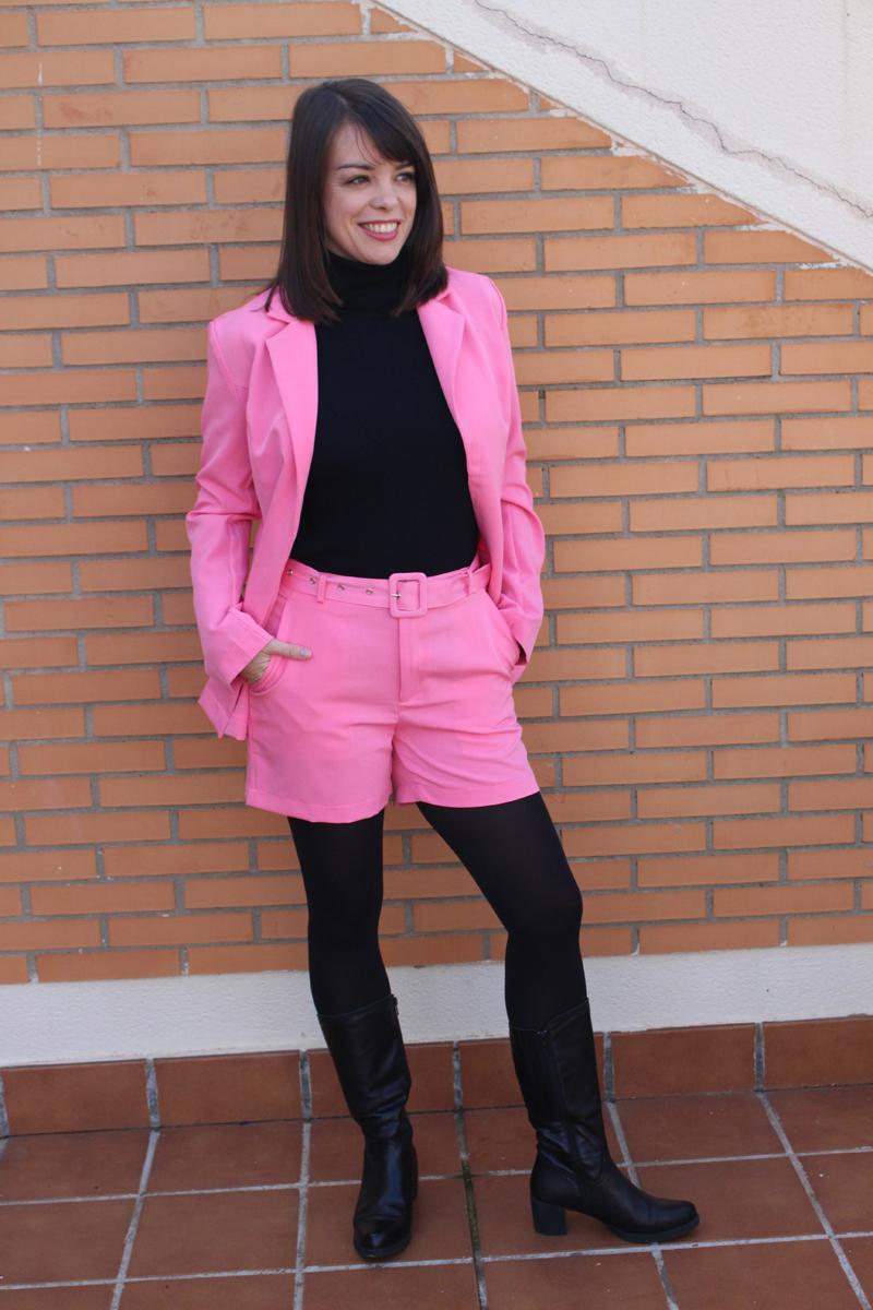 Traje corto rosa
