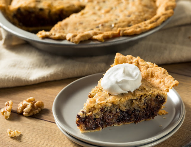 Walnut and Chocolate Pie