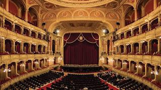 دنيا المسرح