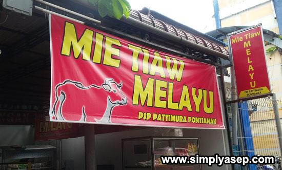 MELAYU : Dengan membidik sekmen Muslim, Mie Tiaw Melayu tetap eksis sejak tahun 2016 hingga sekarang.  Foto Asep Haryono