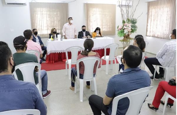 Prefeitura de Cajazeiras empossa novos servidores aprovados em concurso público