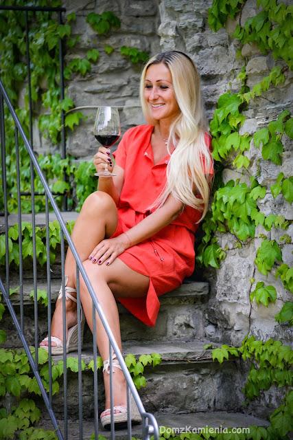 Dom z Kamienia blog Kasia sukienki www.madame.com.pl