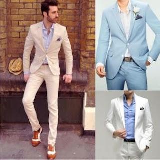 Мужской костюм белого или голубого цветов.