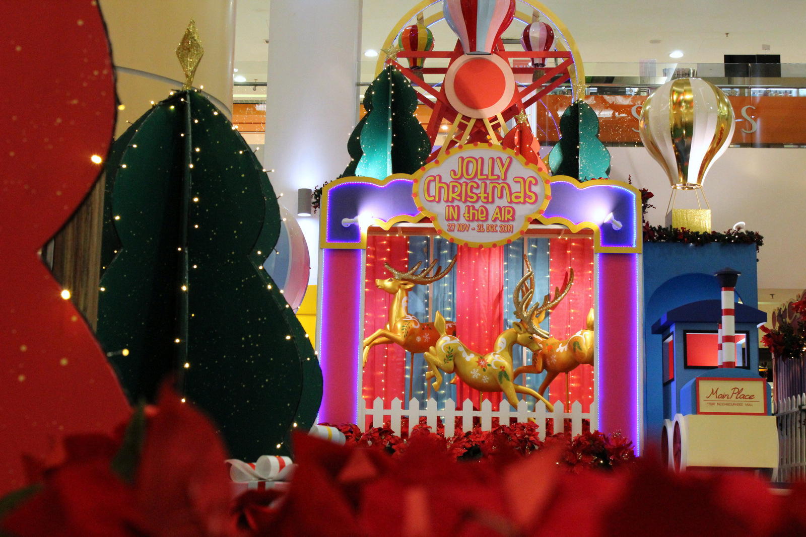 main place mall: jolly christmas in the air