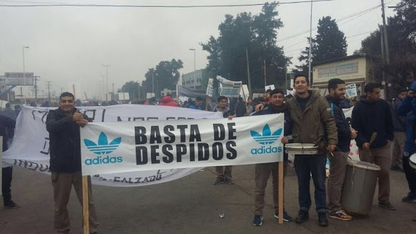 Por las importaciones, cerró la fábrica de Adidas en Esteban Echeverría