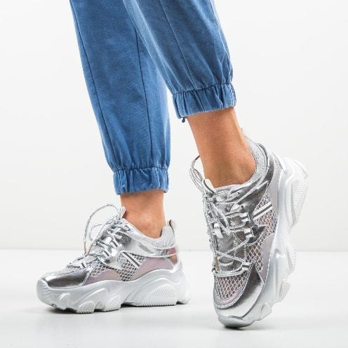 Adidasi argintii cu talpa msaiva din piele naturala