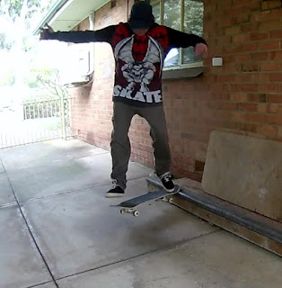 Noseslide Shove-it out (without the slide part).