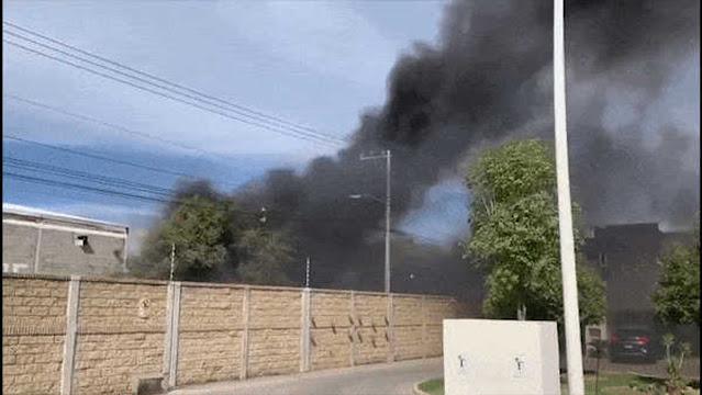 Жители сняли жуткие кадры, как город затопил чёрный дым из крематория, где сжигают жертв CoViD
