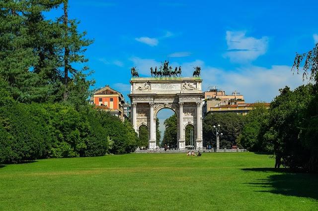 Arco della Pace visto do Parque Sempione