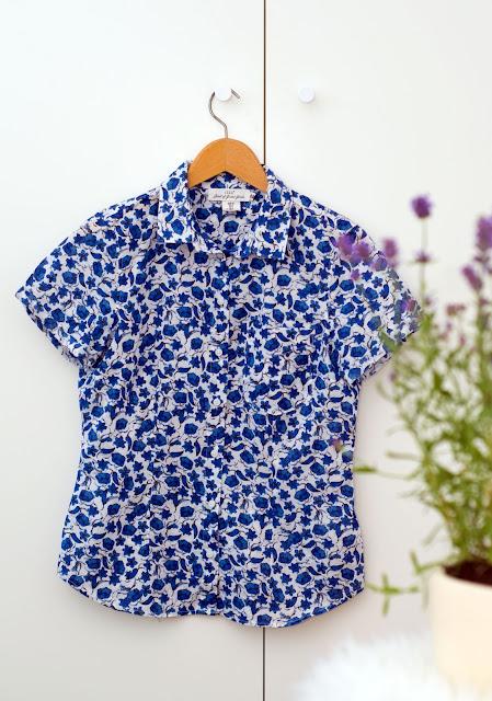 niebieska koszula w kwiatki w hm wyprzedaż