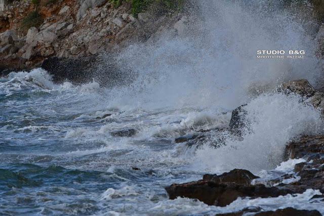 Λιμεναρχείο Ναυπλίου: Σαρώνουν Νοτιοδυτικό Αιγαίο και Σαρωνικό οι θυελλώδεις άνεμοι