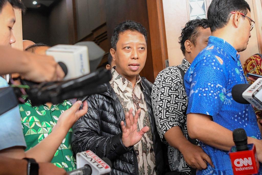 Lawan Pengadilan Tipikor, Rommy PPP Bacakan 3 Ayat Alquran dan 4 Hadits