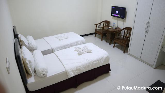 standart room hotel rose bangkalan