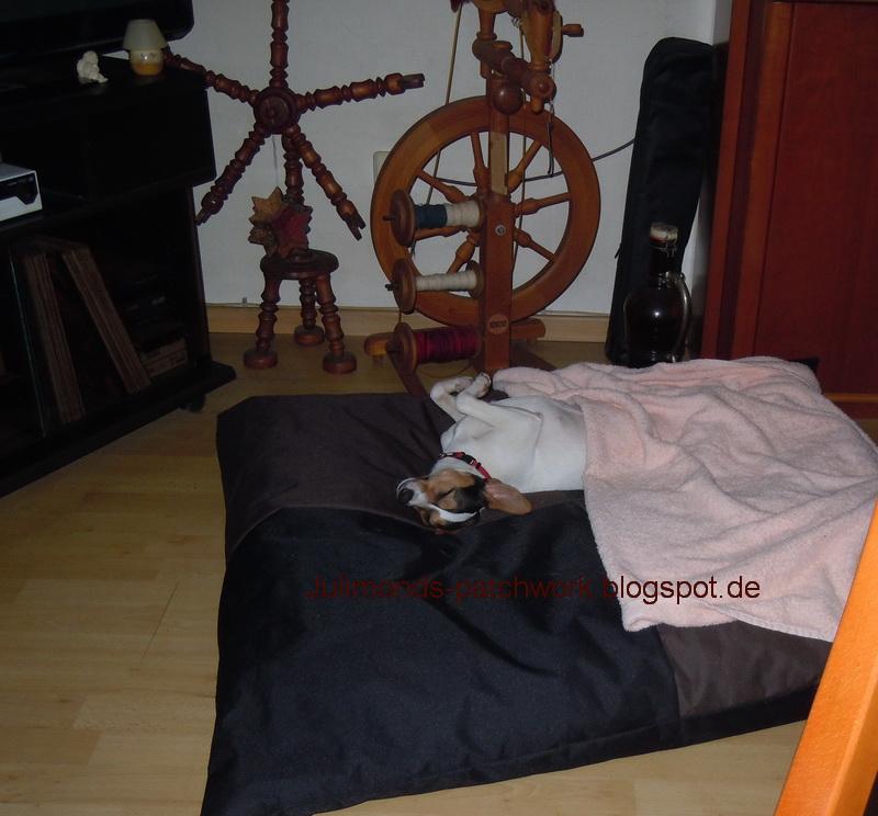Julimonds patchwork und verstricktes ich steh auf lila for Schlafzimmer lila gra n
