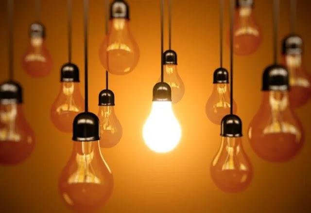 Bóng đèn tự bật tắt là điềm báo tâm linh gì?