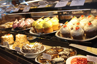 Holland Bakery, Kue Nikmat Terlaris!